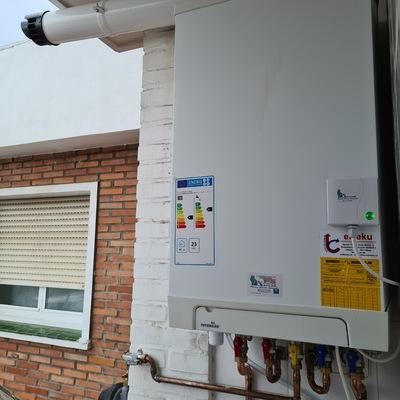 Instalación de calefacción, con caldera Intergas Kombi Kompakt HR-28/24