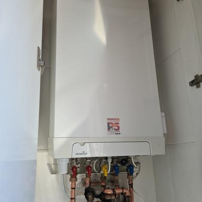 Cambio de caldera esatanca, por caldera de condensación Intergas Kombi Kompakt HR-28/24