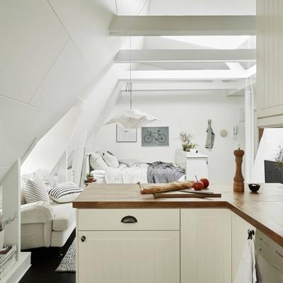 Un piso de 50 metros en el que el color blanco le ayuda a ganar espacio