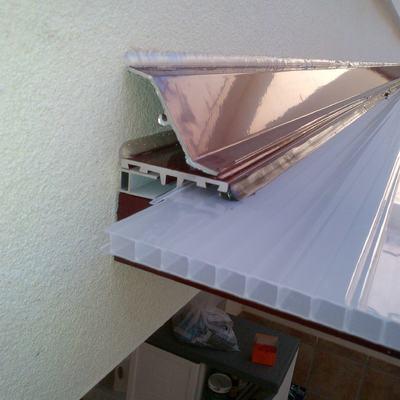 Techo acristalado y cerramiento aluminio