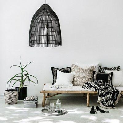 Sofá con textiles con estampados