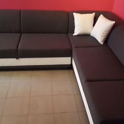 Venta e instalación de un sofá riconera en Madrid