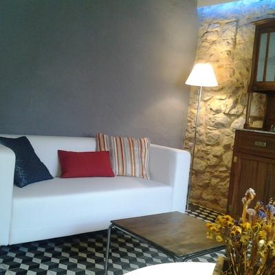Sofá y lámparas de Ikea