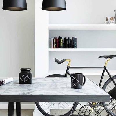 la bicicleta también en el salón