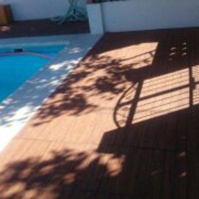 Realización de piscina, escaleras romanas