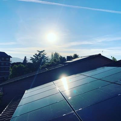 Instalación de autoconsumo fotovoltaico en La Sierra de Madrid.