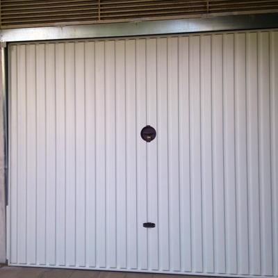 Precio puertas garaje habitissimo for Precio de puertas enrollables