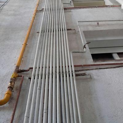 Instalaciones y reparaciones de montantes de gas.