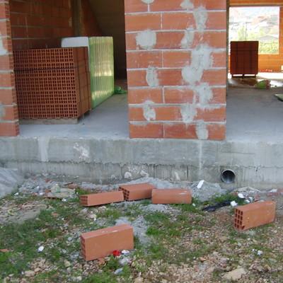 CONSTRUCCION DE OCHO ADOSADOS
