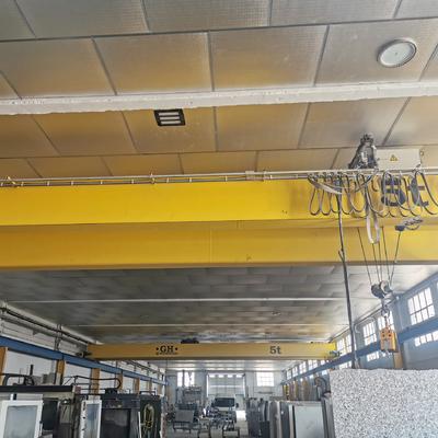 Sustitución de techo desmontable por Aislamiento térmico en nave industrial