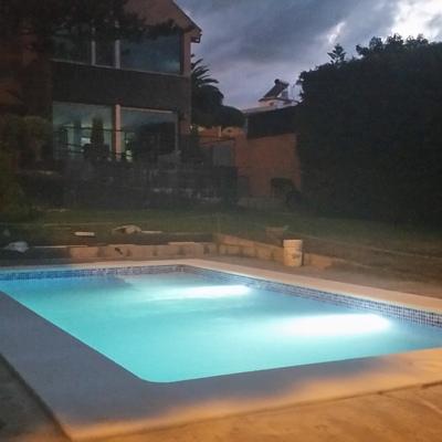 Construcción de piscina prefabricada