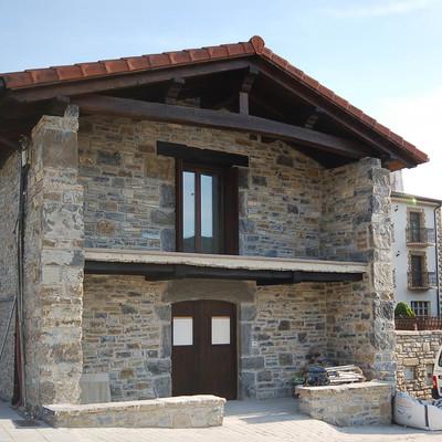 Rehabilitación integral de casa en Zubiri, Navarra
