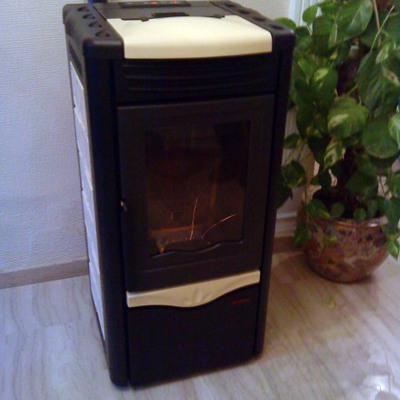 Instalación de termoestufa de pellets en vivienda unifamiliar