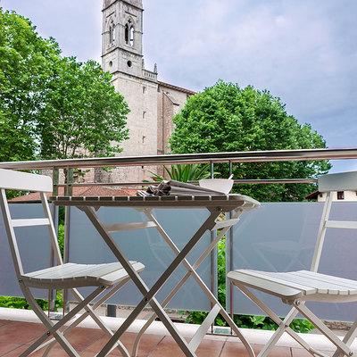 Terraza con vistas a la iglesia