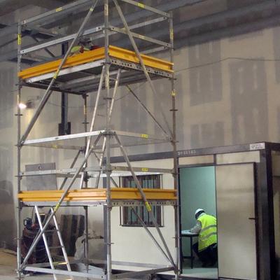 Torre móvil para trabajos de techo