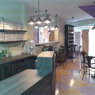 Pintura Y Decoración De Una Cafeteria En Sant Celoni
