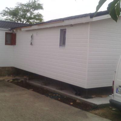 Construcción de una Casa Prefabricada de Madera con Recubrimiento CanExel