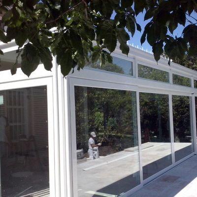 Cerramiento de aluminio en patio