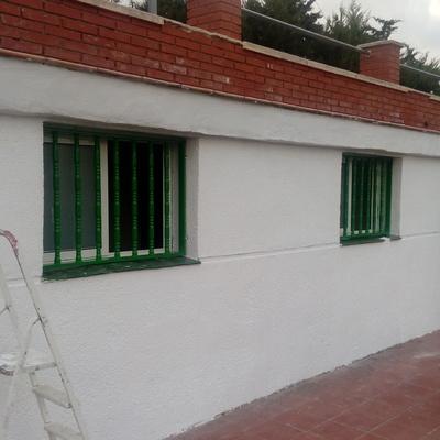 Limpieza y Pintura fachada y vestuarios