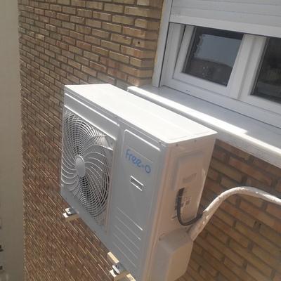 Instalación de climatiza con y electricidad