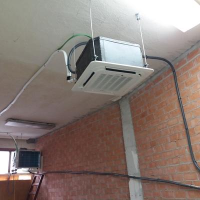 Instalacion de aire acondicionado inverter tipo cassete