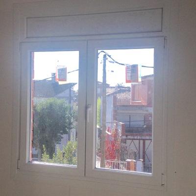 Instalación ventanas PVC BASIC 70 en Les Franqueses