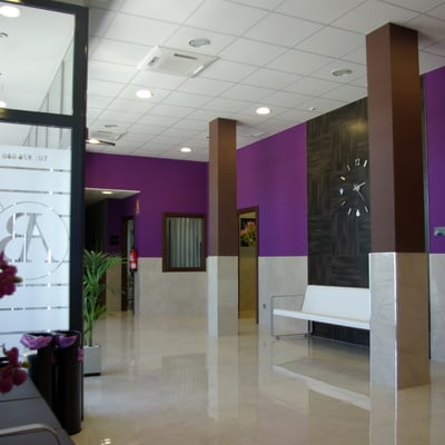 Proyecto de decoración interior y diseño gráfico de VELATORIO en Zuera (Zaragoza)