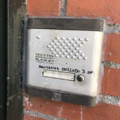 Sustitución portero automático en vivienda