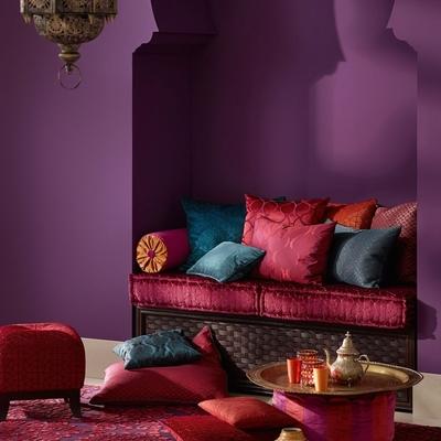 violeta y rojo