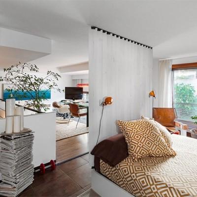 Vista del dormitorio en planta primera.
