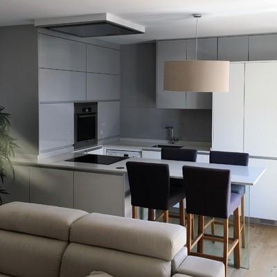 Cocina minimalista en el centro de Madrid