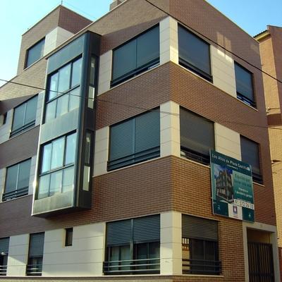 Edificio De 12 Viviendas En Calle Divino Redentor