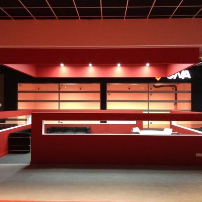 Proyecto y ejecución de oficinas y sala de exposición de Ona en Bizkaia