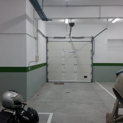 Reconversión de bajo comercial en garaje