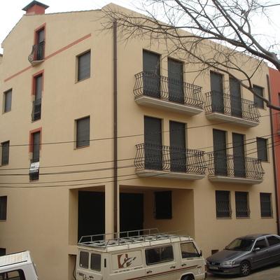 Edificio plurifamilar 12 viviendas en casco histórico de Tortosa