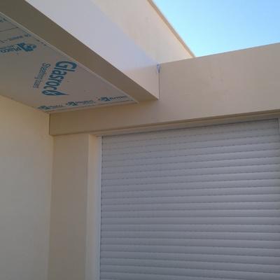 Solución a techo en terraza de un ático con placa de Yeso laminado para paso de instalaciones