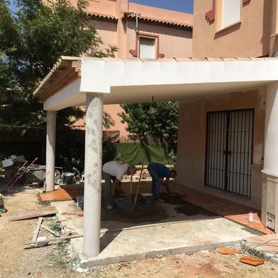 Construcción de Porche en vivienda unifamiliar aislada