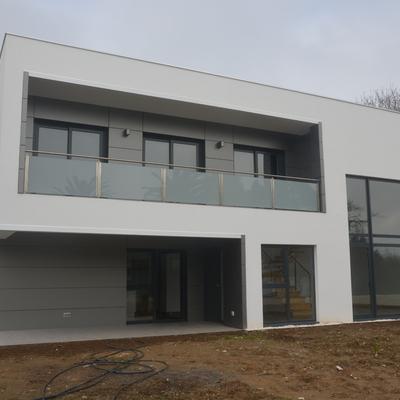 Construcción de vivienda: unifamiliar de diseño