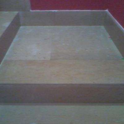 Revestimiento de escalera con piedra de mármol y zócalos de mármol