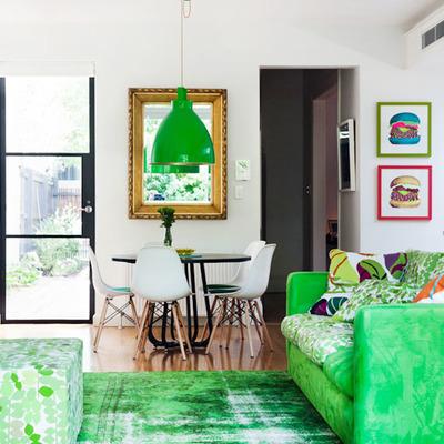 sofá verde florescente