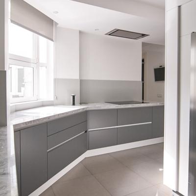 Zona de cocción y muebles bajos