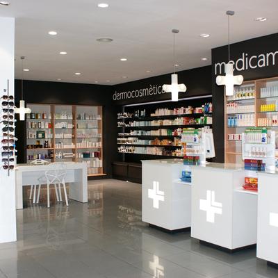 Disseny d'una farmàcia a Sant Carles de la Ràpita