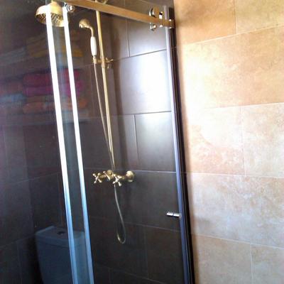 Zona ducha con mampara