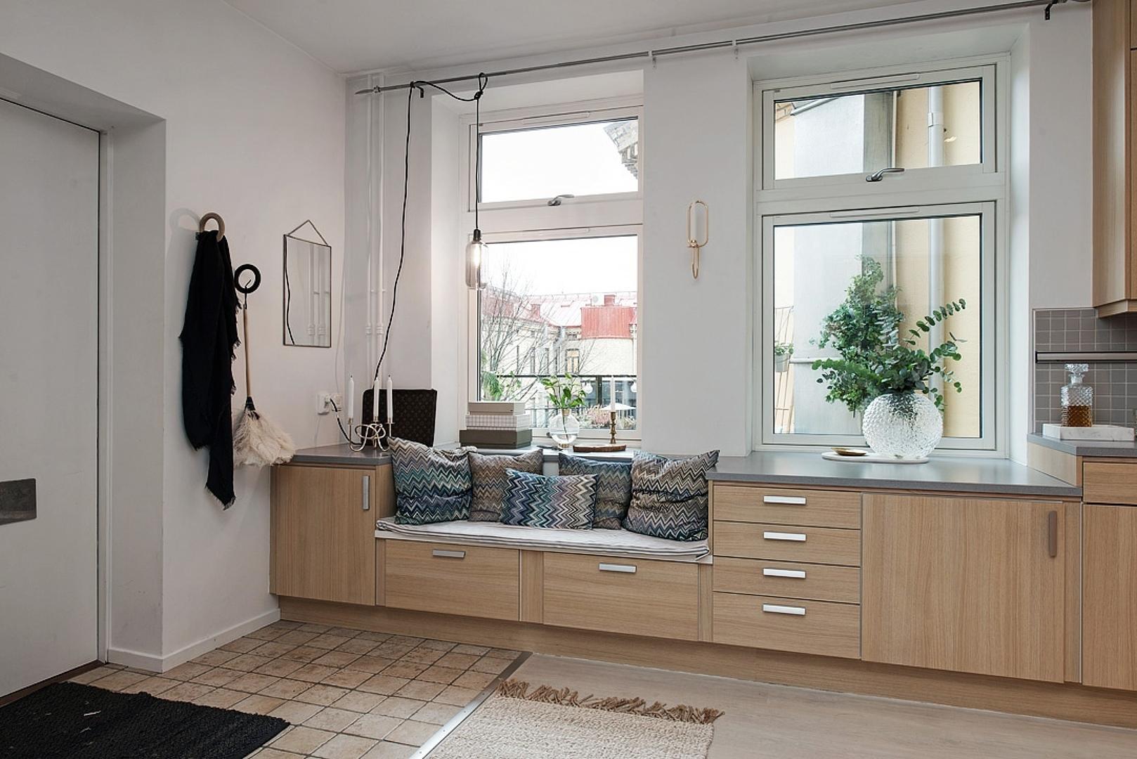 Recibidor con muebles de cocina for Muebles de cocina en burgos