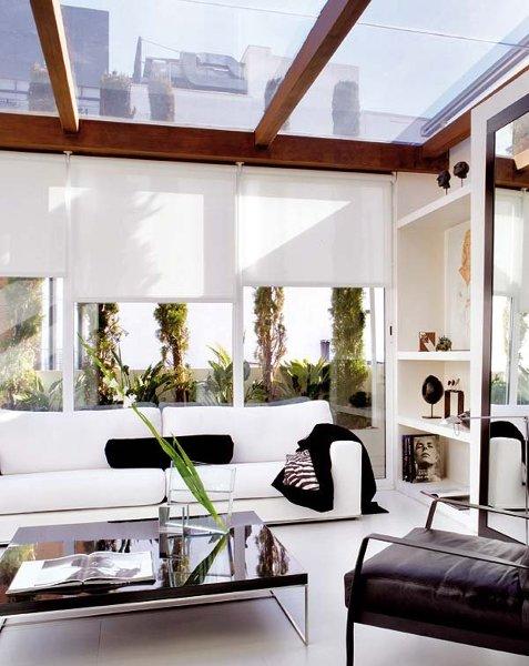 Foto terraza con vigas de madera de ana cienfuegos for Cubrir suelo terraza