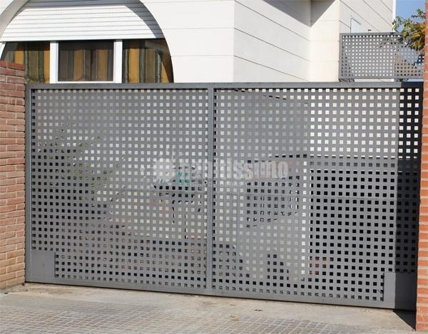 Puertas correderas de hierro ideas carpinteros - Puertas de hierro para jardin ...
