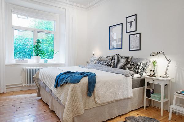 Foto Dormitorio Con Cuadros Asimetricos De Decoratualma 1035142 - Cuadros-dormitorios