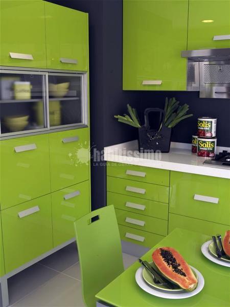 Foto muebles de cocina yelarsan modelo look verde de for Habitissimo cocinas