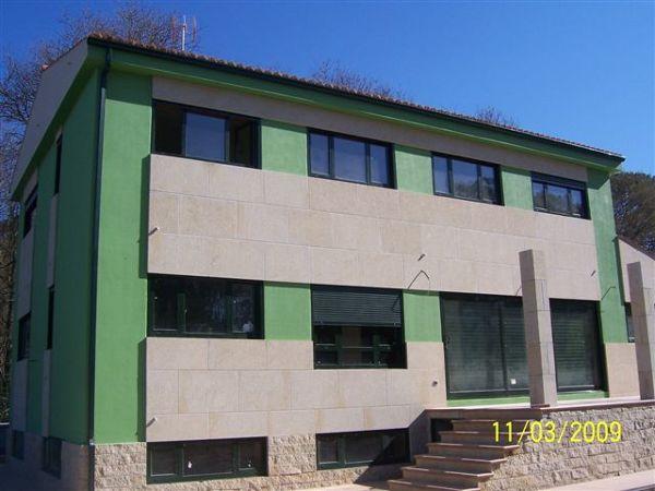 Foto aplacado de fachada de propetan piedra natural 1102311 habitissimo - Aplacado piedra fachada ...