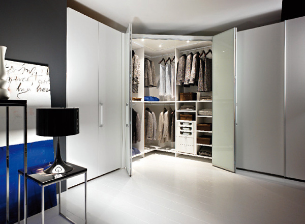 Foto armario con iluminaci n interior de ana garc a - Cabine armadio mercatone uno ...